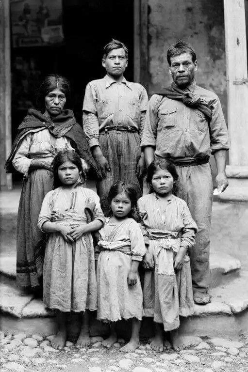 Familia Mexicana 1925.