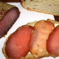 Полендвица — сыровяленое мясо, традиционное блюдо белорусской и польской кухни. Обычно делают его из свинины или говядины «сухим» или «мокрым» способом.