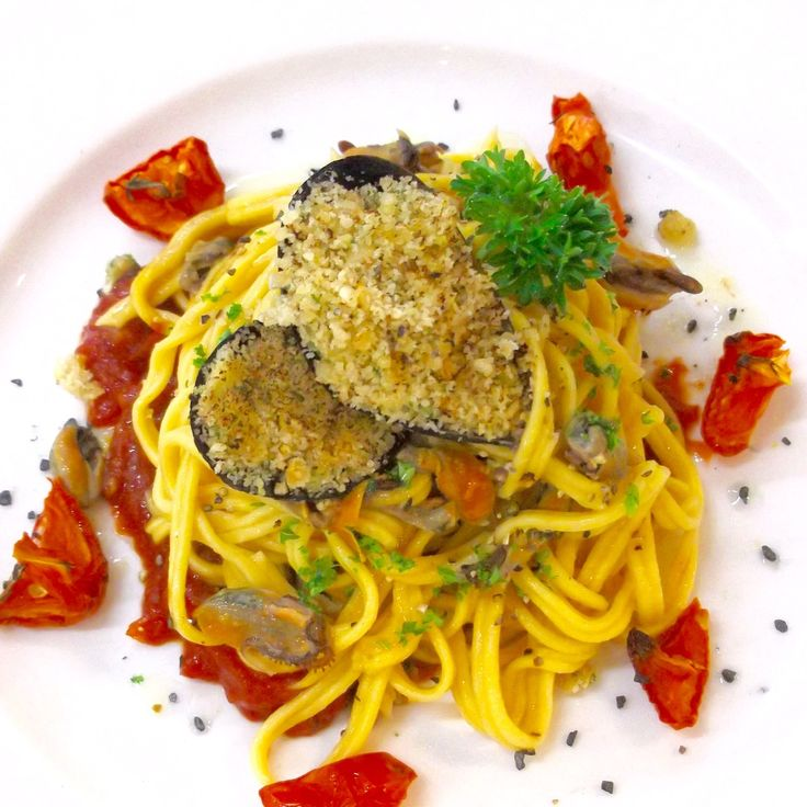 Homemade Fettuccine with White Wine Mussel Sauce