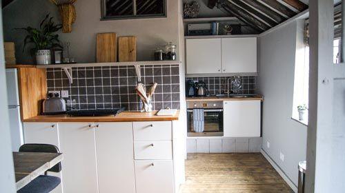 Ned's Nest - Kitchen area