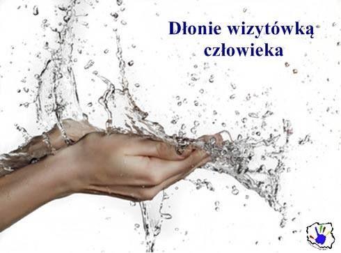 Wg teorii dr Maxwella Maltza potrzeba 21 dni, aby wyrobić dowolny nawyk. Zacznij już dziś regularnie dbać o higienę swoich dłoni. Wszyscy #myjemyrece, nawet podczas majówkowego wyjazdu ;)
