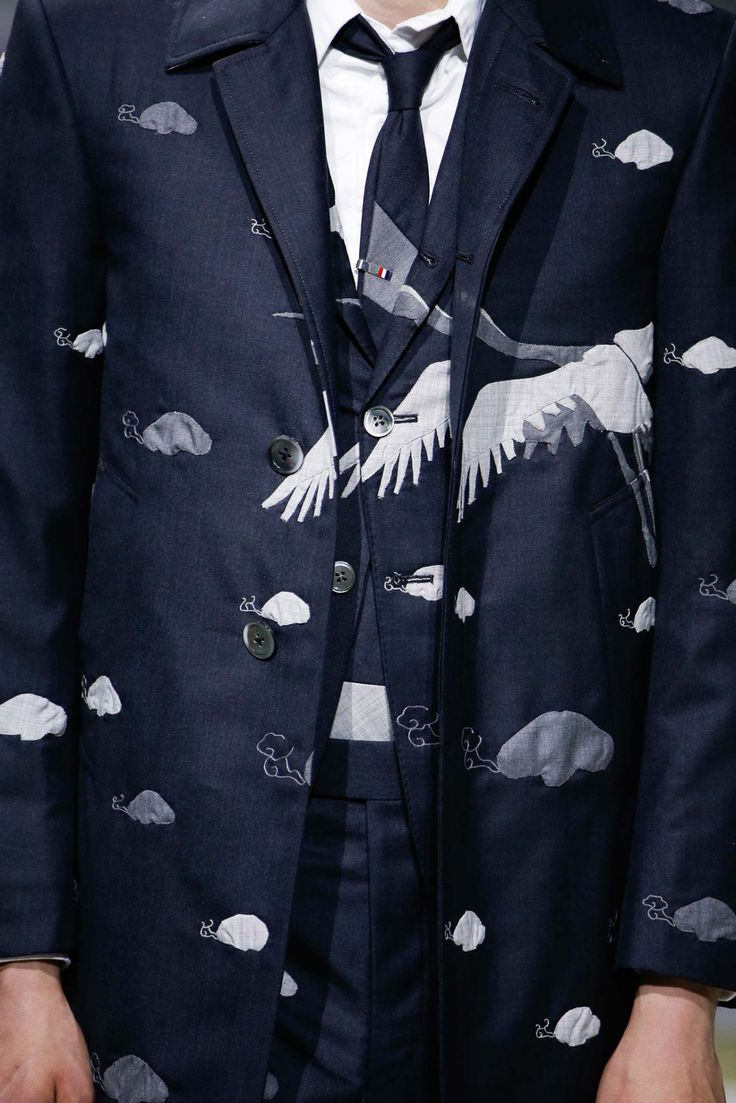 modeinformation:  Thome Browne details menswear S/S16vidlamode:  birds, samurais, tigers & fans | thom browne spring 2016