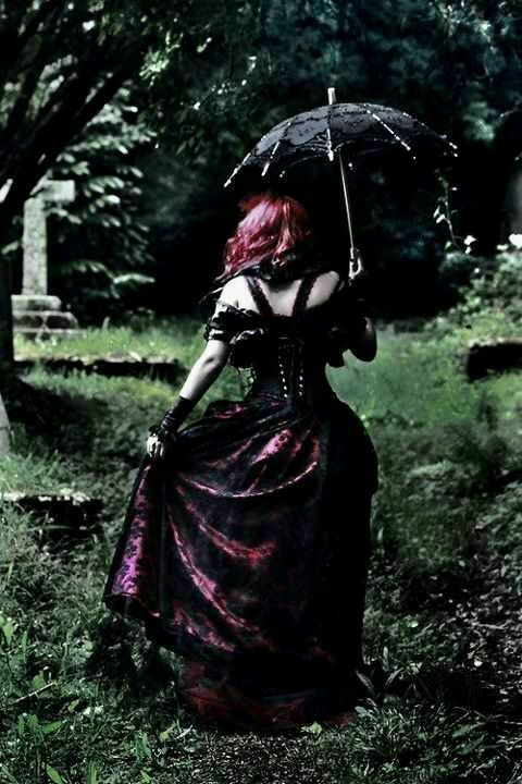 Victorian Gothic / #dark #beauty #gothic