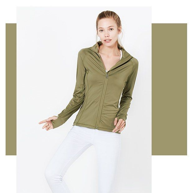 Train in style! 💕  #womenstyle #womenswear #activewear #womensapparel #thursday #outfit #ootd #outfitpost #outfitoftheday #spring #fashion #fashionista #workout #sportswear #sporty #sportjacket #minimalist #minimalove #simpleoutfit #trendy #cute #stylish #dress #onlineshop #le3noclothing #LE3NO #newarrival #new #season #training