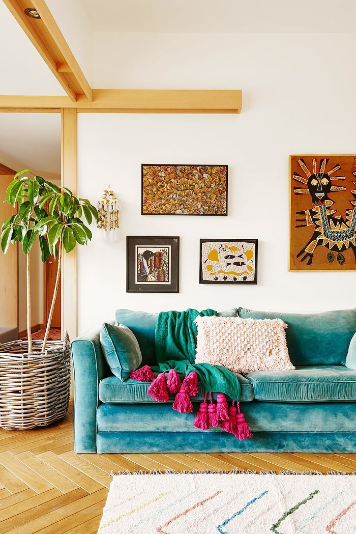 Step into the cool beach house of Hayley Pannekoecke, founder of Kip & Co, on the coast near Melbourne—and learn how to style your home like an Aussie.