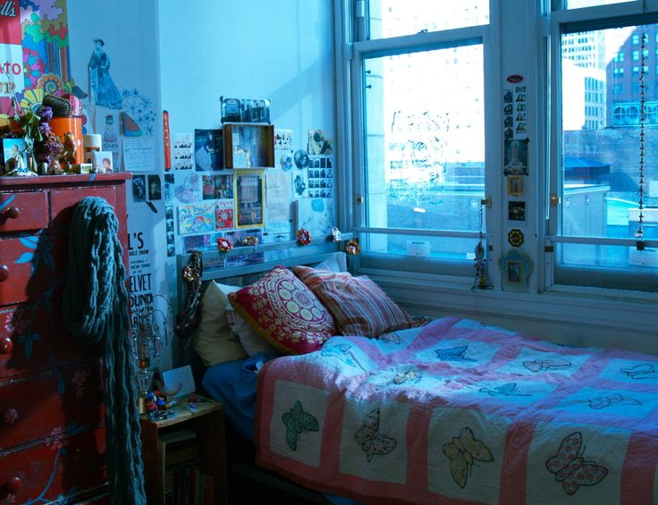 I am a student at the School of the Art Institute of Chicago and this is my dorm room.—Submission from Caseywait.