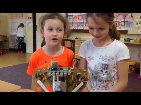 Škola plná robotů 2 - YouTube