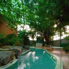 福岡県の原鶴温泉の宿旅館咸生閣はお風呂に特徴あり そのお風呂はジャングル風呂 木々に覆われていてまるでアマゾンにいる気分です 子どもは喜ぶこと間違い無し 家族で行ってみて tags[福岡県]