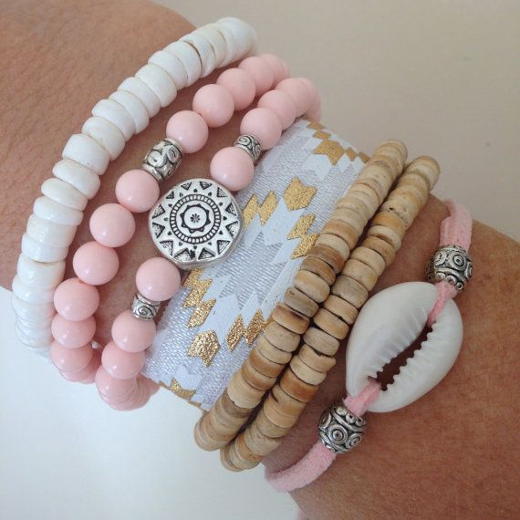 cowrie shell bracelet, beachcomber bracelet, beach boho bracelet  faux suede with a beautiful cowrie shell and silver tibetan beads. choose
