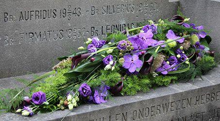 Hess uitvaartzorg rouwbloemen collectie modern
