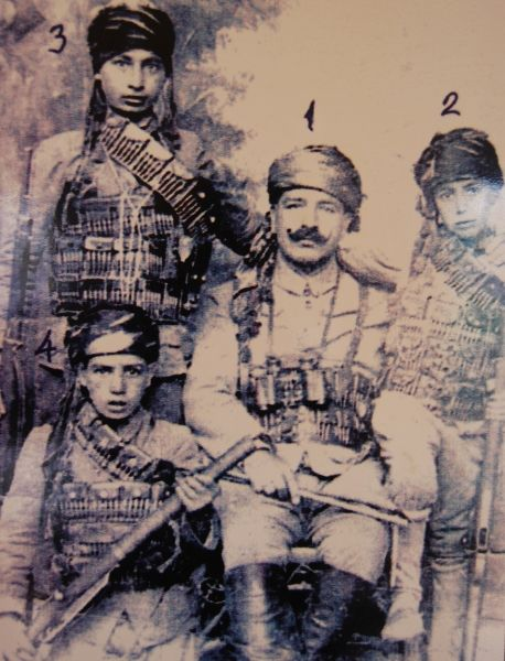 Family of fighters during the siege of Antep in 1921 #turkey #gaziantep