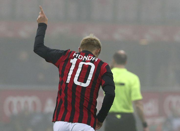 Keisuke HONDA(A.C. Milan) socored, 1st goal on Italy, vs Sassuolo, 2014.1.15.