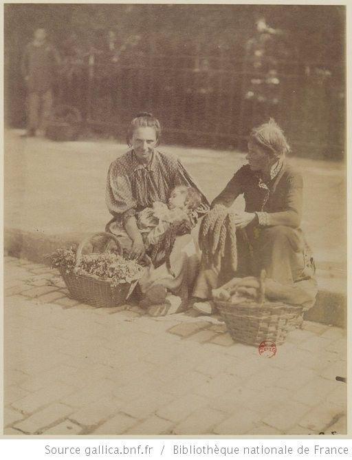 Photographe : Eugène Atget (1857-1927) Description : marchandes de mouron