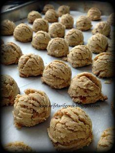 Bu guzel kurabiye tarifiyle tanismama vesile olan, Chicago'da ki gittigimiz ilk ev sahibesi sevgili Fatma'ya ait , birgun h...