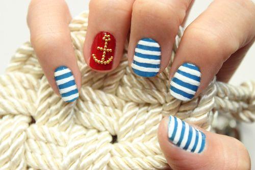 Maniküre Freitag: Nautical Nails mit Syl und Sam at LuLus.com!