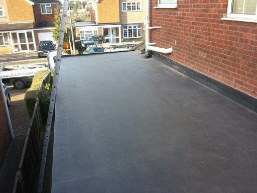 EPDM Flat Rubber Garage Roof. Replaced Old Felt Roof For New Rubber Roof.