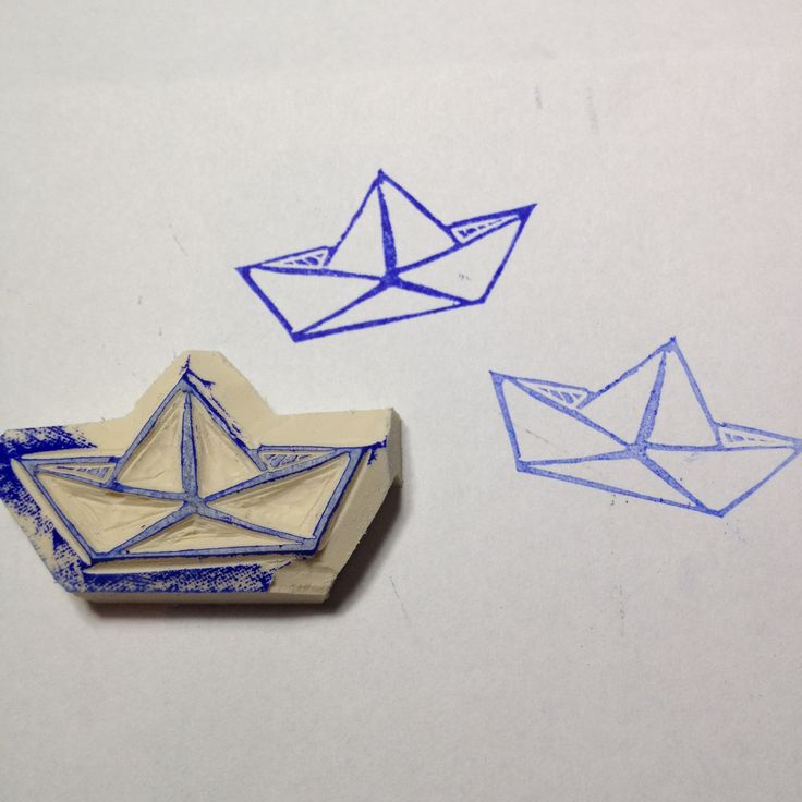 Sello de goma barco de papel tallado a mano - Paper boat hand carved rubber stamp by Natàlia Trias