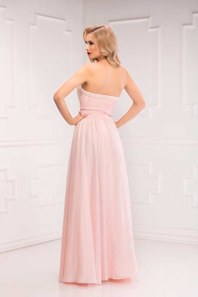 Aryanna Karen 2016 facebook.com/aryannakaren #eveningdress #coktaildress #madetomasure  #beauty #fashion #princessdress #bridemaiddress #rochiedeseara #rochieprintesa #domnisoaradeonoare