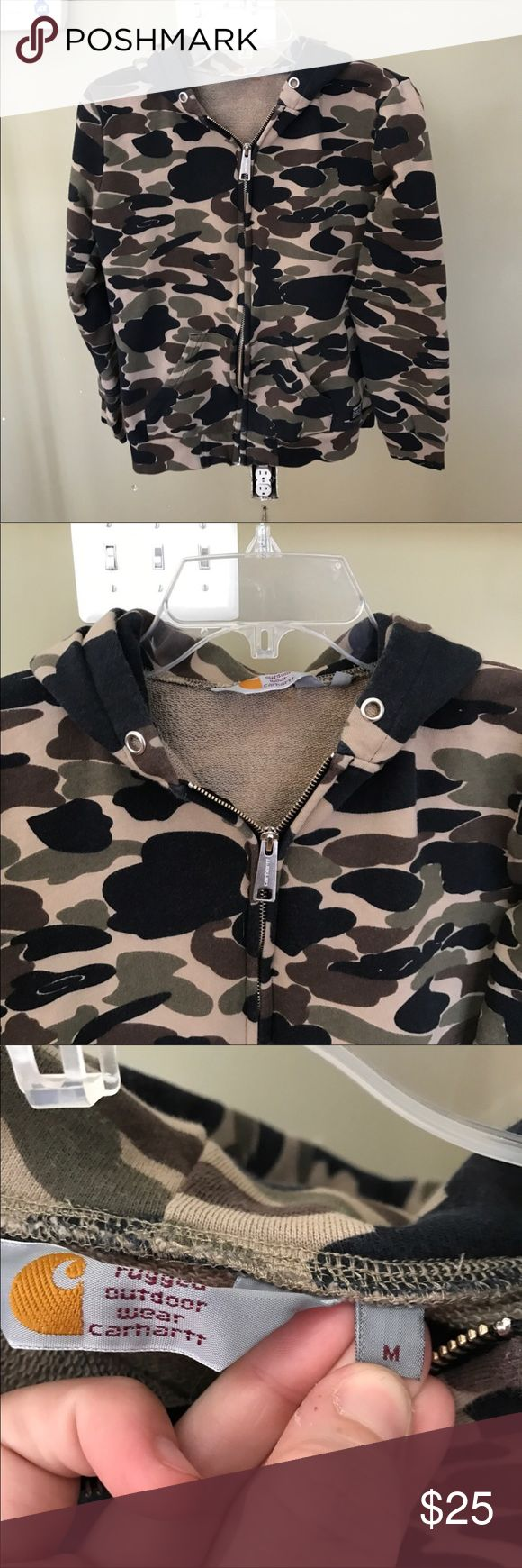 Carhartt Men's Camo Hooded Sweatshirt Worn only a few times, in great condition! Very warm and great for layering. Looser fit. Perfect for men And women Carhartt Shirts Sweatshirts & Hoodies