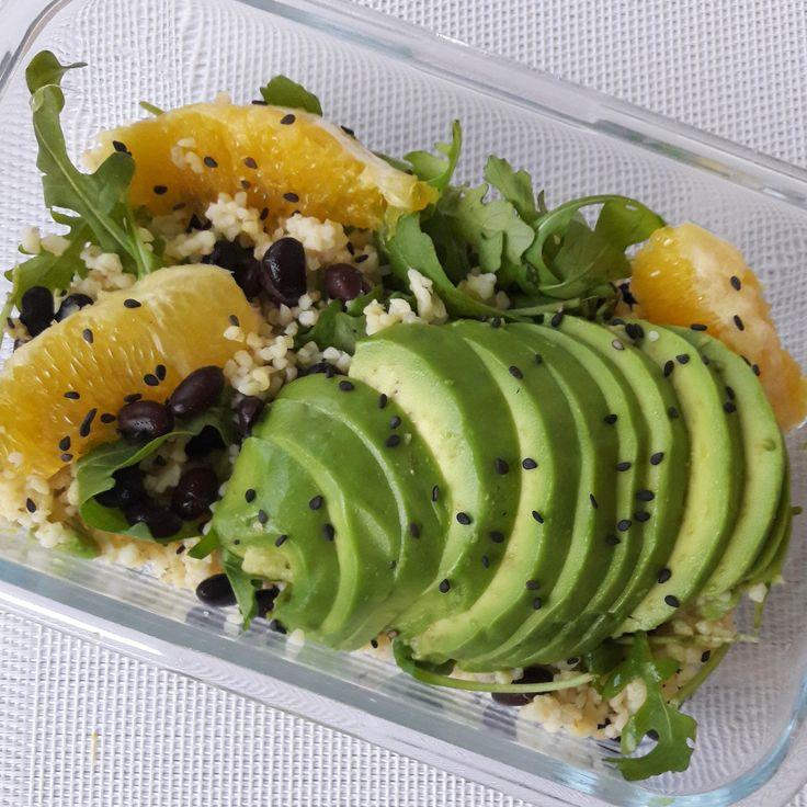 Salade de boulgour à lavocat et à lorange