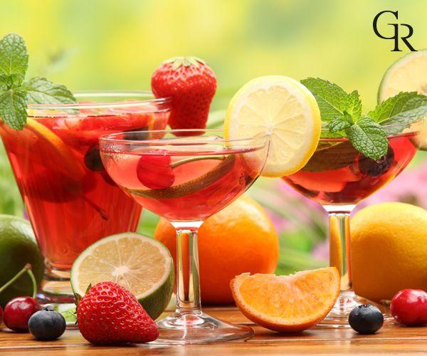 Sıcak havalarda meyve kokteylleri ile kolayca serinleyebilirsin. Ayrıca taze nane serinlik hissi yaratır. İçeceğine eklemeyi unutma! :)