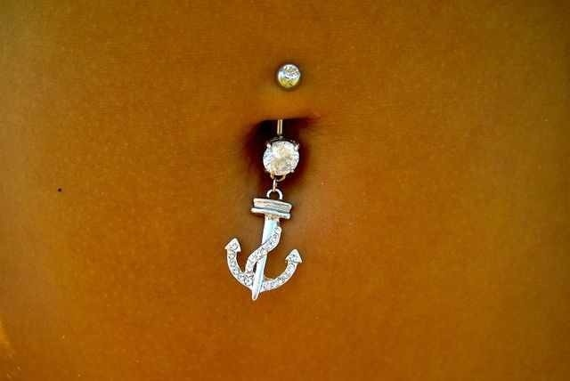 Belly button peirceing that i want soo badly