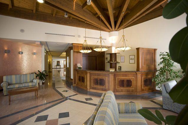 """Hotel """"Le Grotte"""". #Reception. L'ingresso dell'hotel...per darvi un benvenuto """"in grande""""!"""