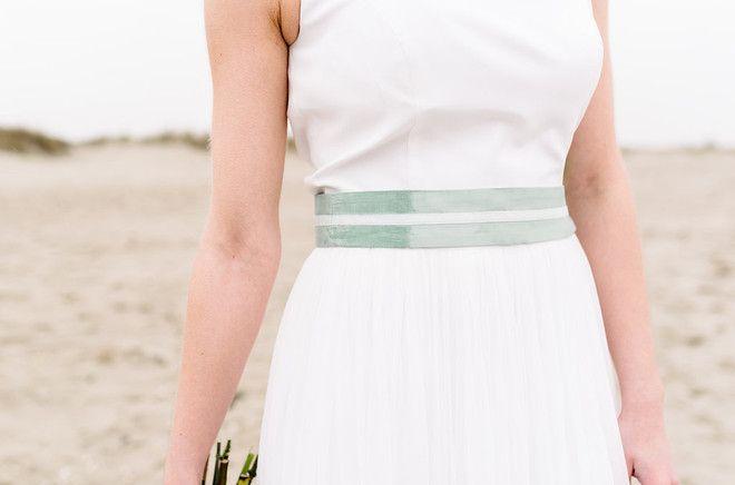 Boho Brautkleid mit tiefem Rückenausschnitt und Tüll (www.noni-mode.de - Foto…