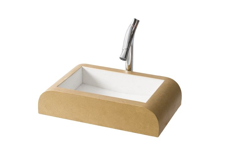 VESTA – Patterned, curved counter top basin with gilded surface and standard drain. Produced in 20 distinct colours. Size: L:65cm W:40cm H:15cm