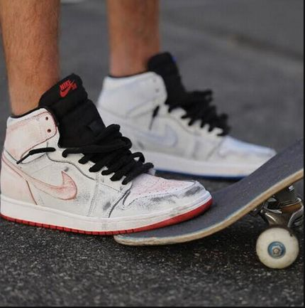 d9da5ad9c959 Nike SB x Jordan 1  Lance Mountain  Customs + Retro 1 Comparison Video