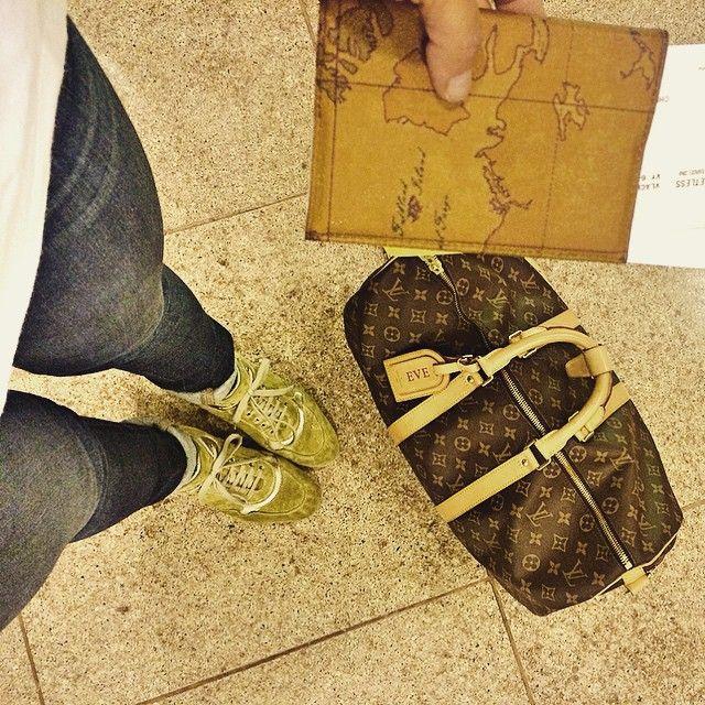Buon giorno  [VENICE] What a beautiful Day! ☀️ . Visit us! ▪️www.byvanityglam.com▪️ OfficialHashtag  #ITALIAbyvanityglam .  #venice #italia #love #barcelona #beautiful #tbt #loveit #instamood #instalike #instagood #follow #photooftheday #igers #cute #fashion #lifestyle #liketkit #20likes #malditamoda #bcn #hautecouture #travel #details #rusia #blog #fashionblog #lookbook #louisvuitton #bag