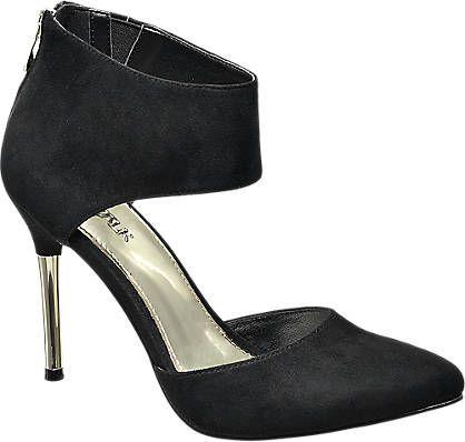 Perfekt für jede Abendgarderobe: Die Sandalette von Catwalk zeigt sich in dezenter, aber femininer Optik. Das Obermaterial des Schuhs ist schwarz und überzeugt mit seiner schnörkellosen Schlichtheit. Durch den silbernen, 10,2 cm hohen Absatz wird der puristische Stil elegant abgerundet. Der breite Riemen am Schaft des Schuhs verleiht der Sandalette ihren besonders schönen Look.