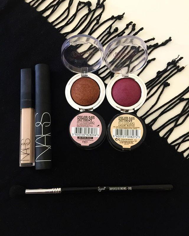 Detaylı göz makyajı yapmak istersem eğer ; uğraşırım da uğraşırım  #maybelline #flormar #nars #sigma #makeup #makeupblogger #makeupaddict #beauty #beautyblogger #türkbloggerlartakipleşiyor #like #likeme #likes #like4follow #instalike #instablog #instadaily #makeupaddict #makeupjunkie #mac #urbandecay #benefit #esteelauder #w7 #bloggerkesiftagi #makeup #blog #blogger #like #makeup #kozmetik