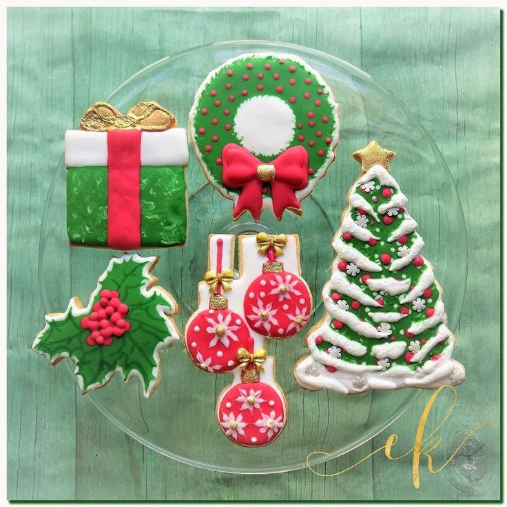 Christmas Cookies decorated with royal icing!