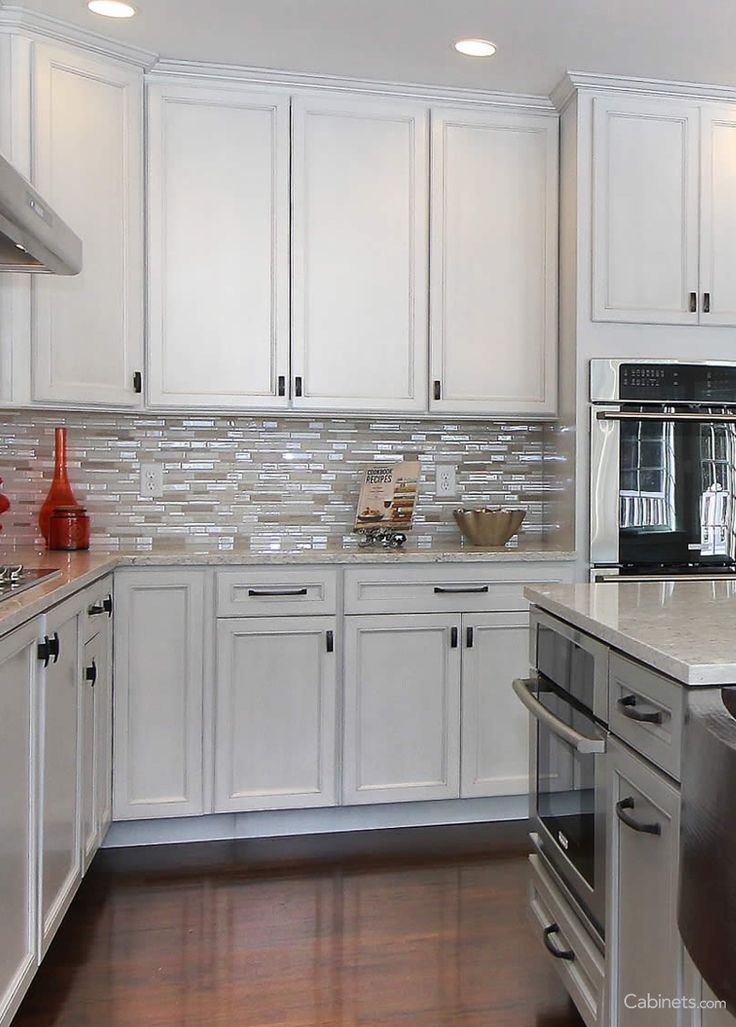 best made kitchen cabinets best 25 two toned cabinets ideas on two tone 4572