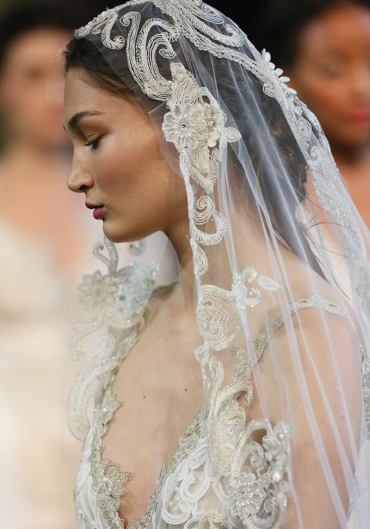 Graceful swirls of embroidery, beads, pearls, and crystals create the stunning Casablanca veil by Claire Pettibone. https://shop.clairepettibone.com/products/casablanca-veil