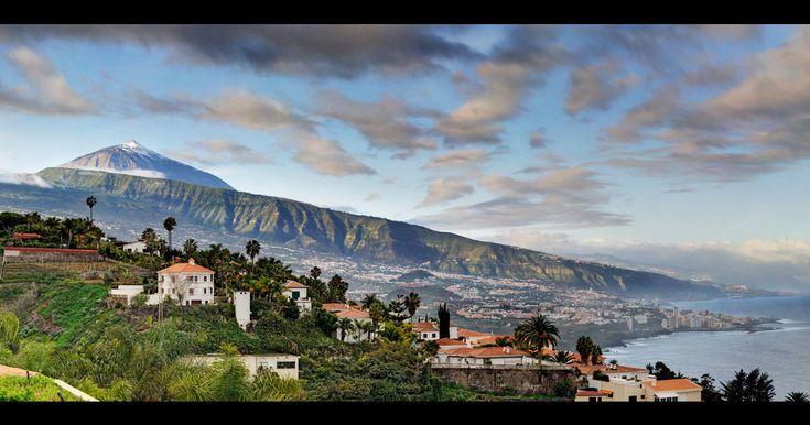 Descubrimiento del día: las Islas Canarias tienen pueblos. Lejos de los tópicos vacacionales, de las invasiones germanas y de los hoteles de lujo, las 7 islas guardan entre sus playas y volcanes verdaderos hallazgos rurales.