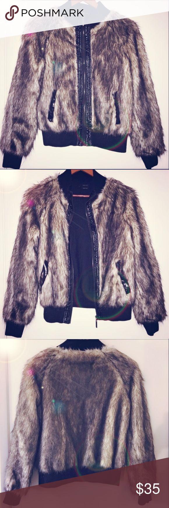 Women's Vertigo Faux Fur Jacket ✨ Zip up high collar faux fur jacket. Black trim with cream & black faux fur. Super comfy, super cute, super fabulous 🖤 Perfect condition. Jackets & Coats
