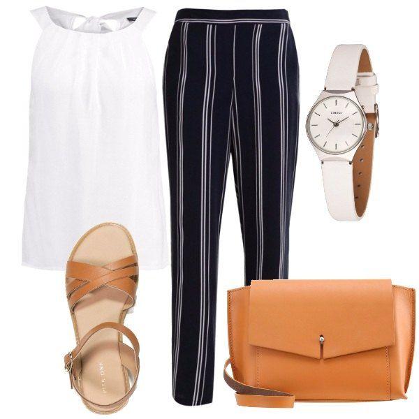 Pratici pantaloni a righe a vita alta da portare con il top leggero, con scollo tondo. Pelle color cognac per i sandali e per la borsa a tracolla. L'orologio al quarzo ha il cinturino in pelle bianco.