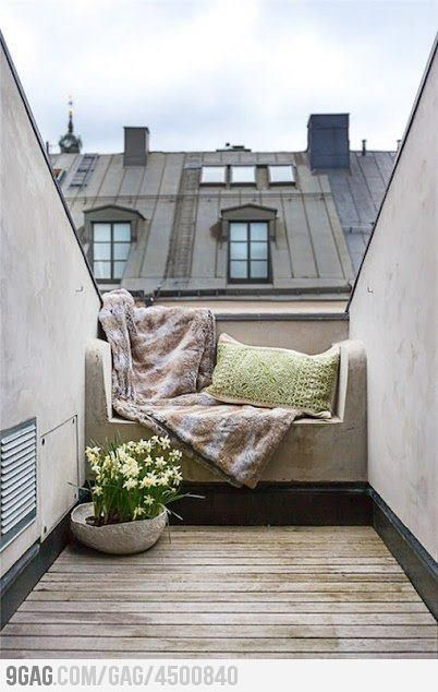 NeedWindows Seats, Balconies, Reading Spot, Roof Terraces, Reading Nooks, Small Spaces, Places, Outdoor Spaces, Rooftops
