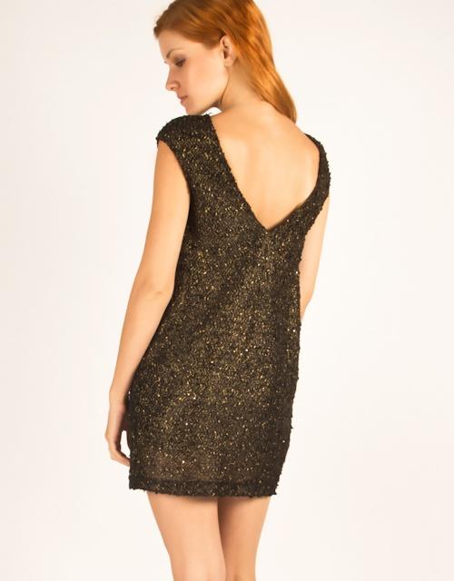 Short sleeve boxy dress with V back.