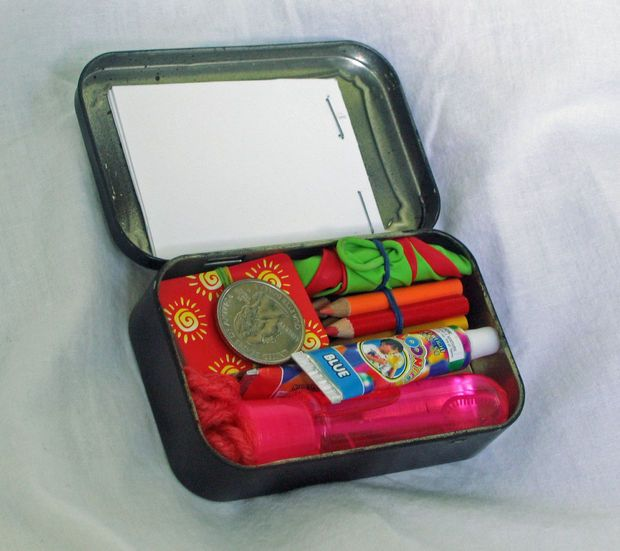 Boredom busters travel kit (& other uses for empty Altoids tin)