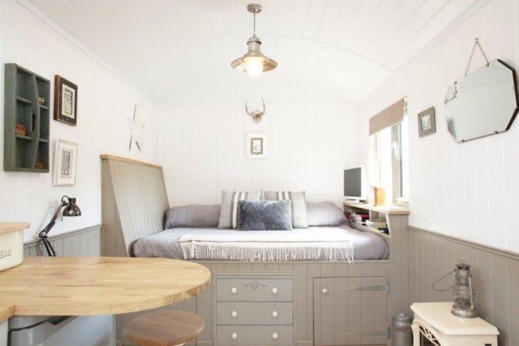 Shepherd's-Hut-Retreat-Somerset-Remodelista-05
