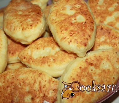 Творожные пирожки с рубленой курицей