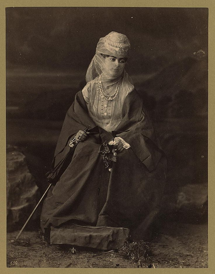 Abdullah Fréres, Portrait of a Turkish woman, between 1880-1900