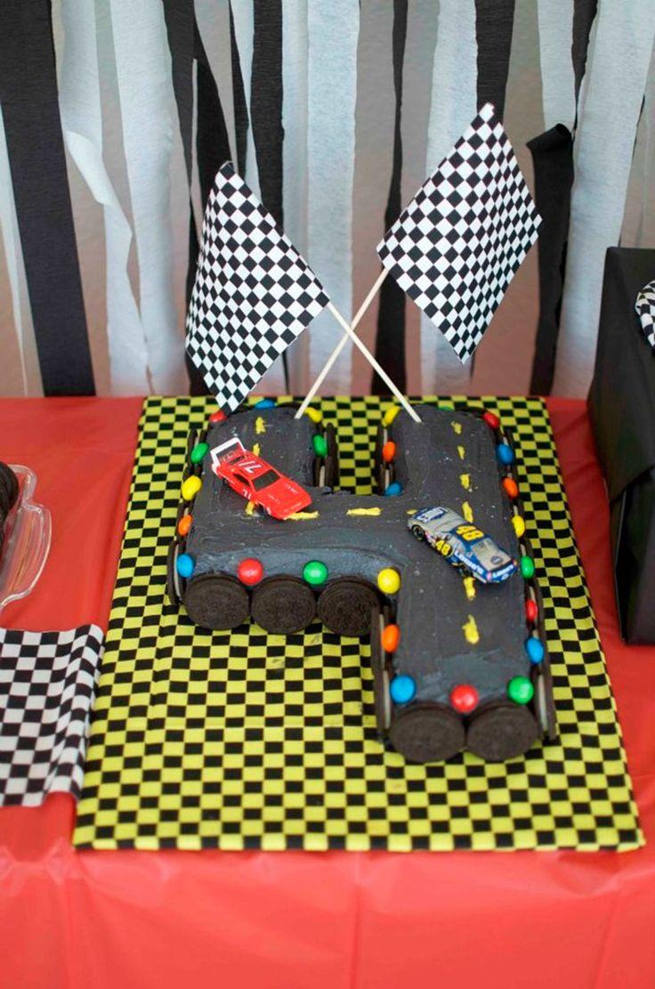 bolo de aniversário carros                                                                                                                                                                                 Mais