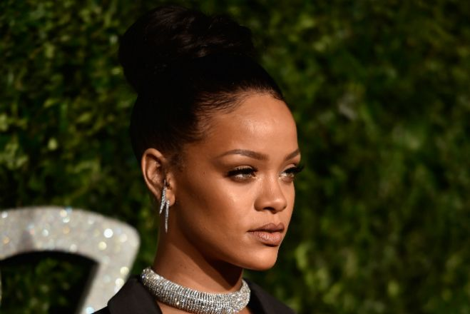#Rihanna Teases Another Amazing Song From Her New Album—Listen Now!  http://popdust.com/2014/12/09/rihanna-kiss-it-better/