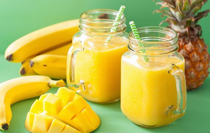 Here is the gorgeous smoothie that is perfect for your next post-yoga brunch.
