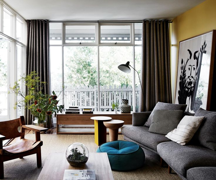 A 1960s home in Melbourne with mid-century modern style and a colourful palette. Photography: Sharyn Cairns