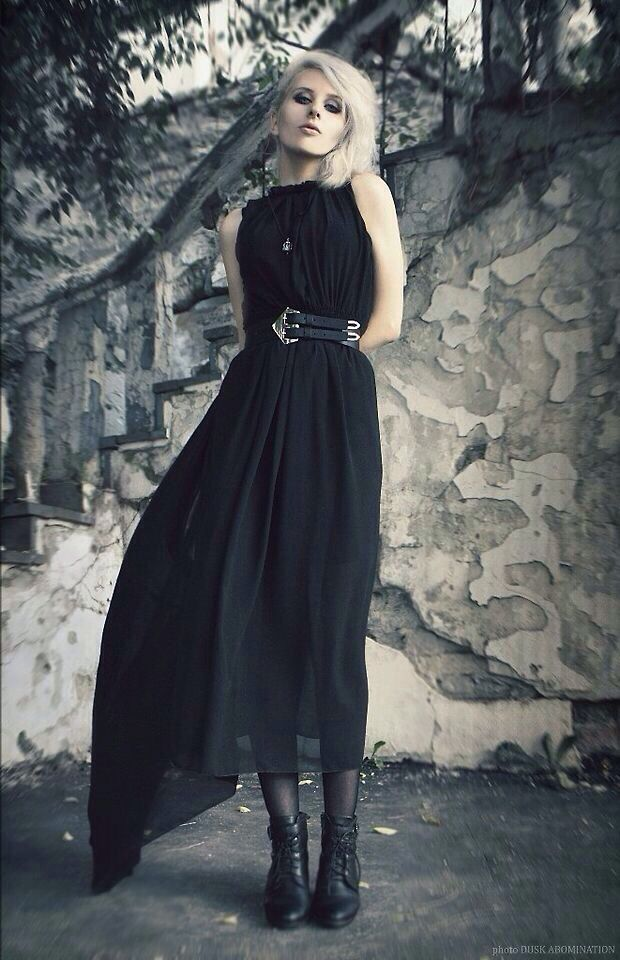 Top 25 Best Romantic Goth Ideas On Pinterest Gothic Steampunk Gothic Fashion Shoes And